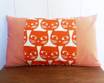 Cushion cover 50 x 30 cm with cats design and geometric Orange