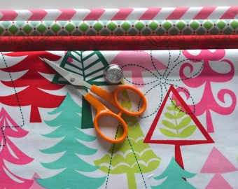 Christmas Fabric Bundle/4 Fat Quarters/Red, Pink, Green and White/Geometric, Chevron, Tree/Quilting, Craft/Cotton Sewing Material