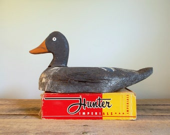 Hand Carved Grey Duck Decoy - Unsigned