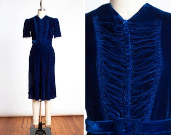 STUNNING Vintage 1940s Royal Blue Velvet and Lace Cocktail Dress with Shirred Bodice // Covered Buttons // Original Belt // Old Hollywood