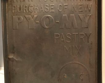 Vintage Py-O-My Pan