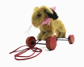 Vintage Steiff  1314.10 Rabbit Hoppy on wooden wheels | 1960s