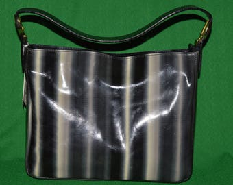 Vintage  CLAUDE GERARD France Genuine Patent  Leather Purse Handbag  1990s