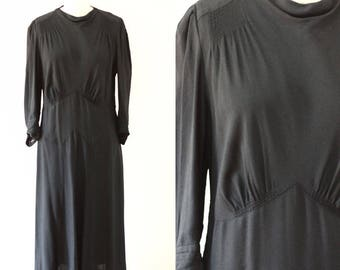 1930s black crepe dress //  1930s black dress // vintage day dress