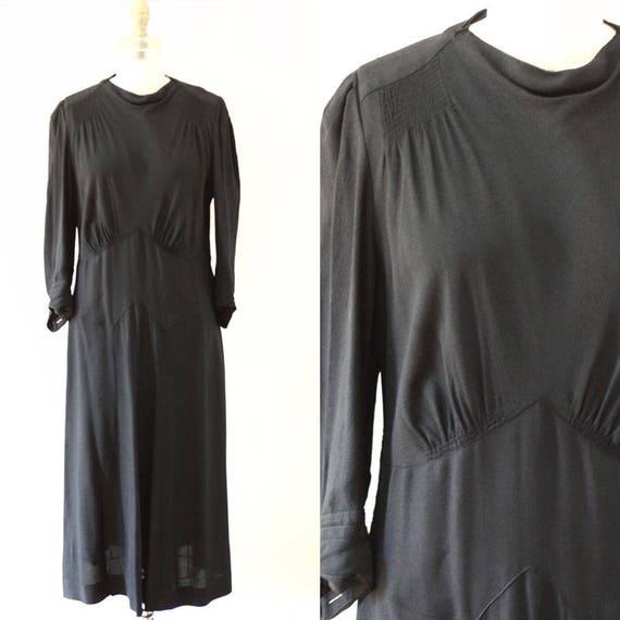1930s black crepe dress //  1930s black dress // vintage day dress