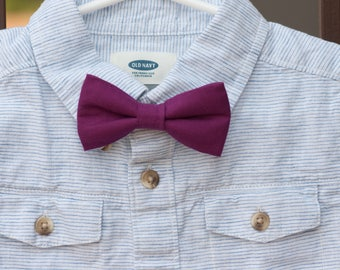 Maroon bow tie..purple Bow Tie..little man Bow tie..Clip on Bow Tie...Toddler Bow Tie..Newborn Bow Tie..christmas Bow Tie..