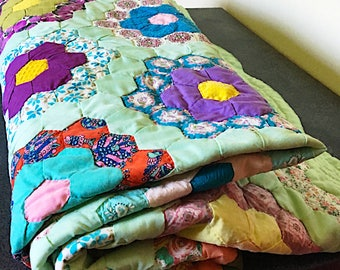 Vintage Grandmothers Garden Quilt - Hand stitched - Summer Quilt - Mid Century Fabric - vintage cotton Quilt - Floral and Green