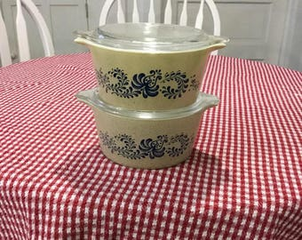 Pyrex Homestead Blue * Round Casseroles 480 Set of 2 #473 with Clear Glass Lids * 1970s * 1 Quart