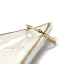 Tiny solitaire ring - Yellow gold wedding ring - Little diamond ring