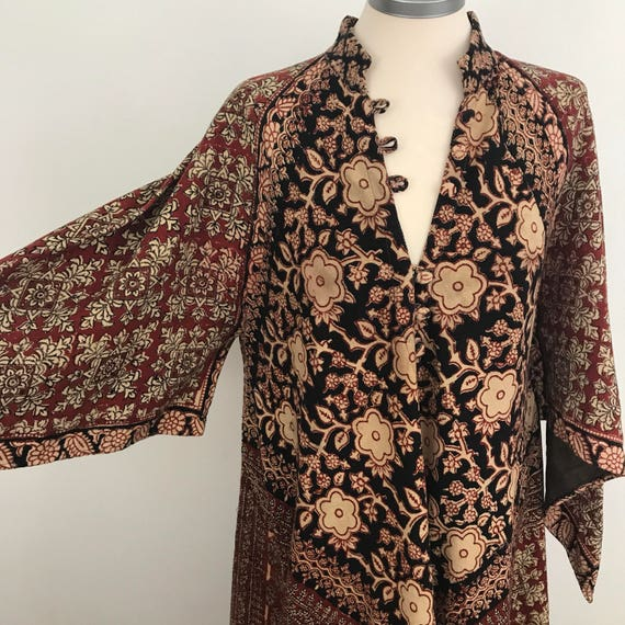 1970s Indian Kaftan Ayesha Devar dress dramatic boho cotton gown flared thick cotton printed flowing floaty hippie cover up made in India