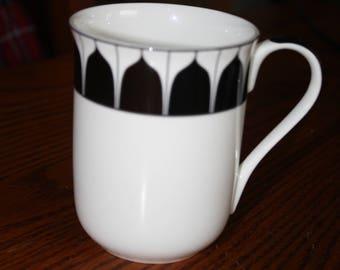 "Aynsley China Mug with Piano Keys- ""Mozart"" made in England"