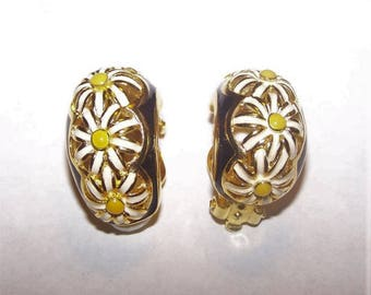 Joan Rivers Clip On Earrings - Gold Tone with White Flowers - S2335