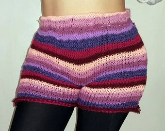 Knitted purple shorts