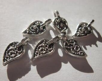 6 shaped d leaves charms 12 mm-(345)