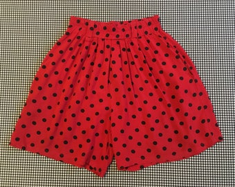 1990's, high waist, pleated front, shorts, in red, with black polka-dots, Women's size Medium