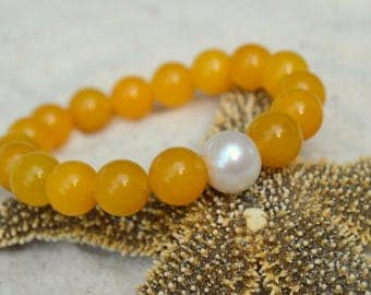 Yellow Agate and Freshwater Pearl Bracelet- Gemstone Stacking Bracelet- Stacker Bracelet- Stretch Cord Design