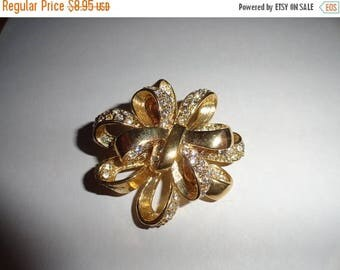 50% OFF ROMAN Vintage Gold Brooch metal 2 inch length