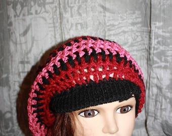 slight Cap (Black/Burgundy and dusty pink)