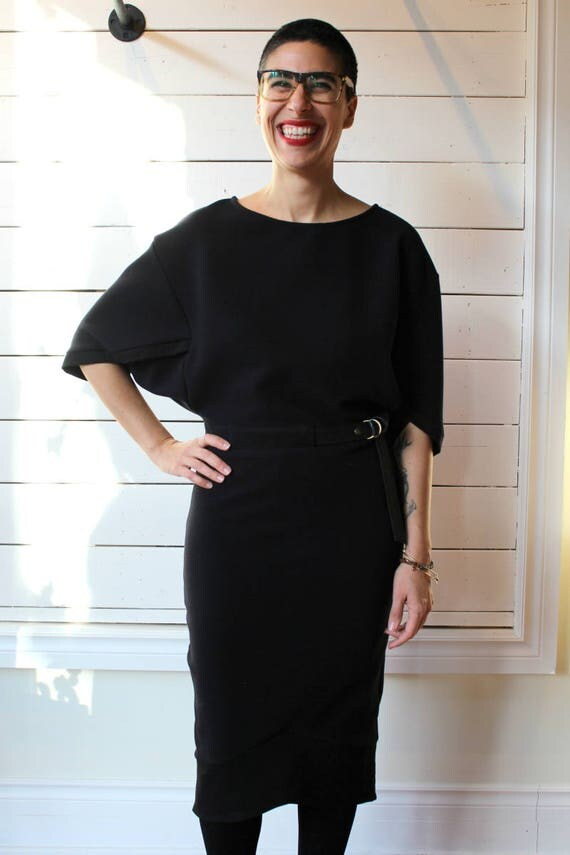 2011 DRESS - Long Dress for Women with Waist Belts and Batwing Sleeves - Black