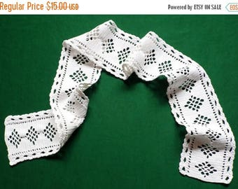 25% SUMMER SALE Vintage white hand Crocheted cotton table runner table topper crochet scarf