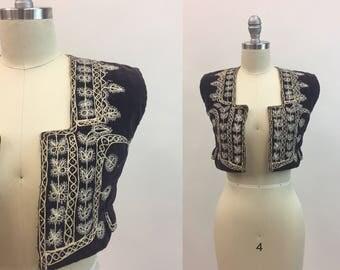 Vintage 1970s Purple Velvet Bolero / 70s Beaded Embroidered Hippie Vest / size Extra Small XS