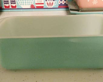 Pyrex Turquoise Loaf Pan.......FREE Shipping