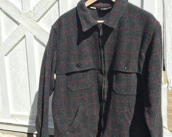 Made in USA vintage woolrich jacket . Traditional real deal grey with grren and maroon XL