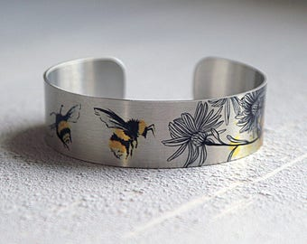 Bee cuff bracelet, bee jewellery, brushed silver bangle with bees. Insect jewellery. Bumble Bee, Honey Bee gifts.  B533
