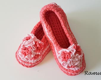 Pink Slippers, Womens Slippers, Chunky Wool Slippers, NON-SLIP, Ballet Flats, Pom Poms, Gift Wrapped, Home Shoes, Crochet slippers