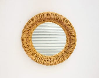 The Boho Bamboo Vintage 70s Mirror Mid Century Modern Braid Wicker Framed Circular Mirror: 70's Home Décor, Kitchen Décor, Wall Hanging