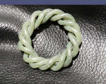 Jade Twist Pendant Necklace, Articulated Nephrite, Qing Dynasty 1800s
