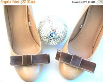 CLEARANCE Velvet Shoe Clips, Brown Velvet Shoe Clips, Brown Shoe Clips, Ribbon Shoe Clips, Wedding Shoe Clips, Shoe Clips, Shoe Accessories,
