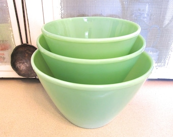 1940s Fire King Jadite Splash Proof Mixing Bowl Set, Super Condition!