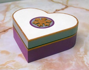 Hand painted wooden trinket box jewellery box - Snowflake/Christmas
