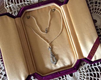 Vintage 1920s 1930s Necklace Art Deco Faux/Fake Pearls Rhinestone Pendant Comes WITH Purple Velvet Presentation Box Maker Is Deltah Pearls