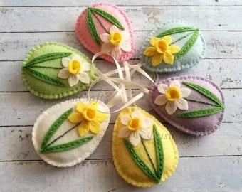 MADE TO ORDER / Pastel Easter ornaments, Felt easter decoration, Daffodil Easter eggs, Pastel egg, Easter flower eggs / 1 ornament