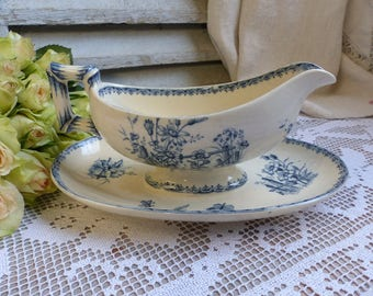 Antique french blue transferware sauce boat. Blue transferware gravy boat. Navy blue. Butterflies Flowers. French country. French chateau