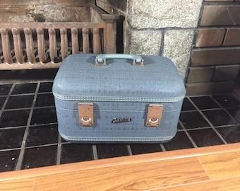Carson Travelite Train Case, Blue Vintage Train Case, Blue Makeup Train Case, Vintage Overnight Bag, Vintage Makeup Case