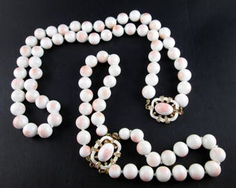 Vintage Porcelain Pink and White Bead & Gold Tone Matching Necklace and Bracelet Set 60s