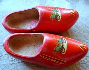 Vintage Large Holland Wooden Shoes/ Vintage Carved Hand Painted Menˈs Wood Clogs/Home Décor/ Holland Souvenir/1970s