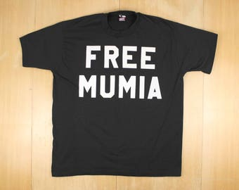 FREE MUMIA on Vintage Screen Stars Black Tee T-Shirt Fuzzy Letters Made in U.S.A. 50/50 Cotton/Polyester Short Sleeve XL Extra Large
