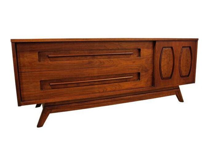Mid-Century Danish Modern Low Elongated Walnut/Burlwood Credenza/Console Dresser #121