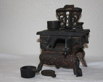 Crescent Vintage Old Fashioned Iron Toy Kitchen Stove