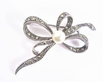 Vintage Marcasite Sterling Bow Ribbon Brooch