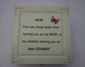 Mum text design decoupage wooden box, for jewellery, keepsakes, or treasured items.