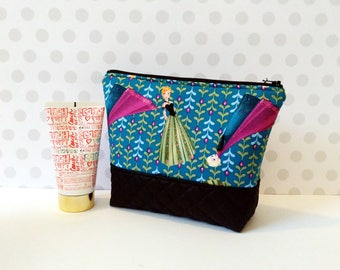 Large Makeup Pouch / Anna and Elsa Coronation Day