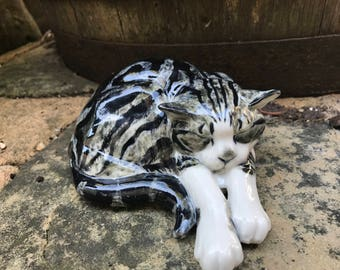 Cat  figurine in porcelain, cat sculpture, Pudding tabby cat ornament, cat collectable , hand painted cat gift, cat lover gift
