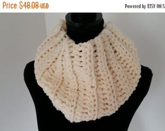 ON SALE Infinity Scarf - Scottish Inspired Scarf - Cowl Scarf - Claire Infinity Scarf -  Scarves for Women - Crochet Handmade - Ivory Scarf