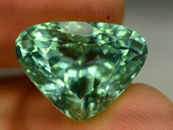 Piedra preciosa espodumena