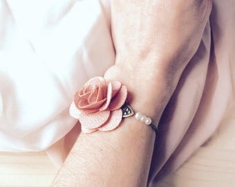 Bridal bracelet and very romantic and rustic bridesmaids with pearls and pink fabric flower